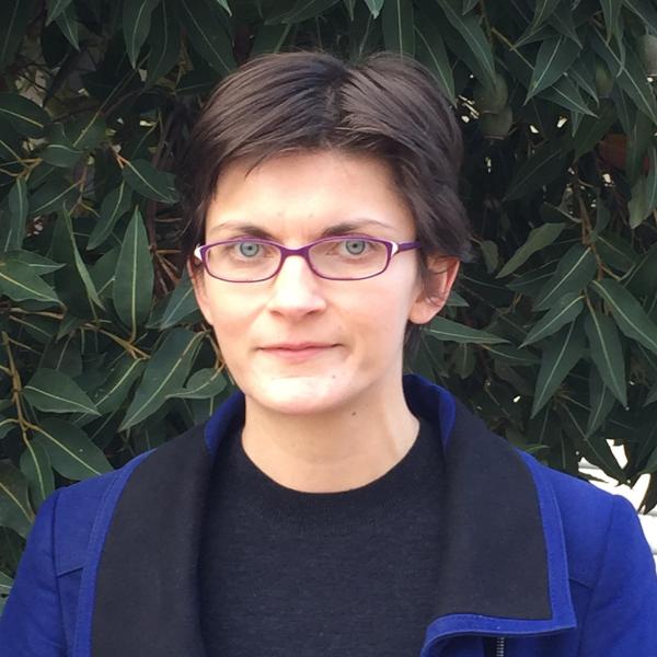Photo of Dr Kate Warren